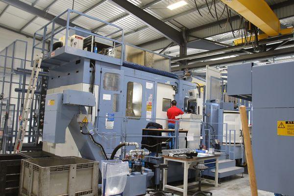 Ateliers d'usinage pièces aéronautiques de l'entreprise Lauak (L'Isle-Jourdain, Gers) en mai 2016
