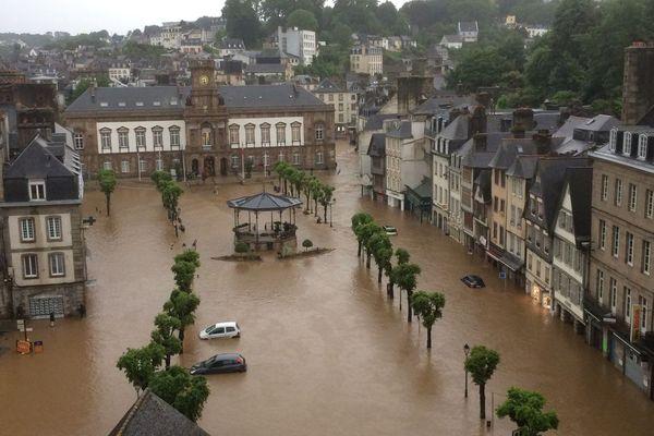 Le centre-ville de Morlaix s'est retrouvé sous 50 cm d'eau en très peu de temps