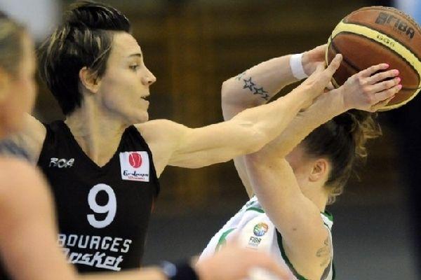 Céline Dumerc contre les hongroises de Györ le 31 janvier 2013