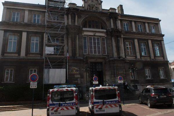 Le tribunal de Dunkerque.