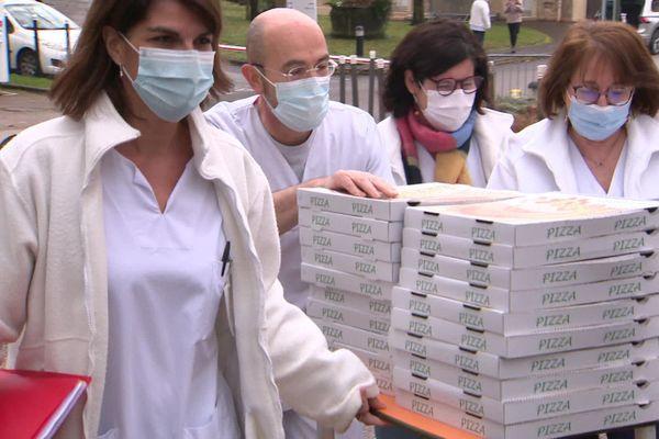 Le personnel du CHU de Dijon a réceptionné la livraison ce mercredi 13 janvier à l'heure du déjeuner.
