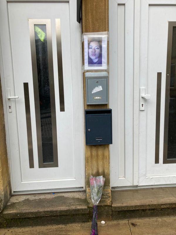 Devant le domicile de Stéphanie, 22 ans, tuée de cinq coups de couteau à Hayange, le 24 mai 2021.