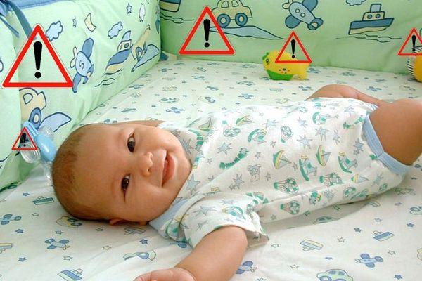Pas de doudou, ni de tour de lit, ni de couverture dans le lit de bébé