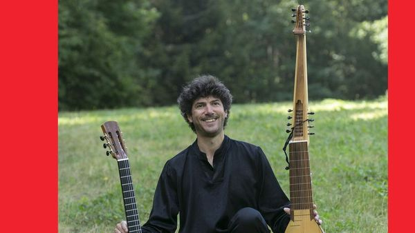 Olivier Pelmoine, guitare et Théorbe
