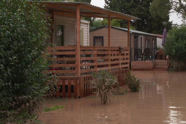 A Aimargues, dans la plaine gardoise, un camping avait encore les pieds dans l'eau mercredi. Une vingtaine de ses résidents permanents se retrouvent sans logement. 15 septembre 2021.