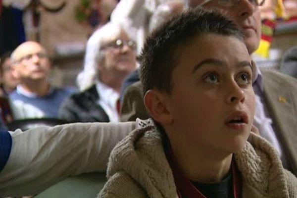 Un jeune supporter catalan