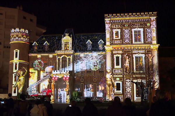 L'Office de tourisme fait partie des sites mis en lumière jusqu'au 5 janvier à Biarritz.