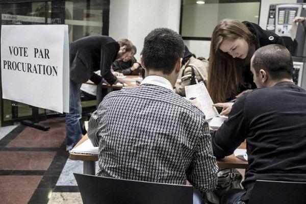 Les électeurs niçois peuvent se rendre au Commissariat de l'Ariane, de Saint-Augustin, Foch ou encore au Palais Rusca.