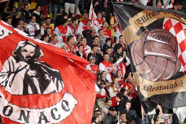 Alors que 1.400 supporteurs d'Arsenal sont annoncés mardi au Stade Louis-II, la rencontre se disputera à guichets fermés devant 17.500 personnes.