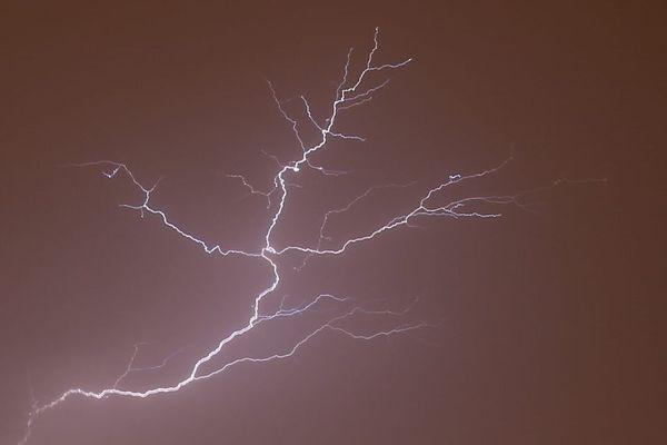 L'orage localisé sur le Royans, dans la Drôme, a entraîné une dizaine d'interventions des sapeurs-pompiers en fin de journée du 2 juillet 2020.