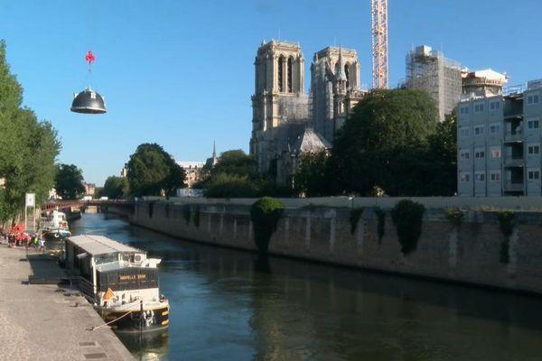 La coupole a été transportée par voie fluviale depuis Charenton.