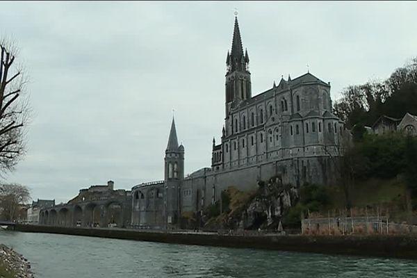 Les pèlerins lorrains retrouvent la Basilique de Lourdes cet été.