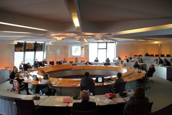 Une session du conseil départemental du Tarn-et-Garonne.