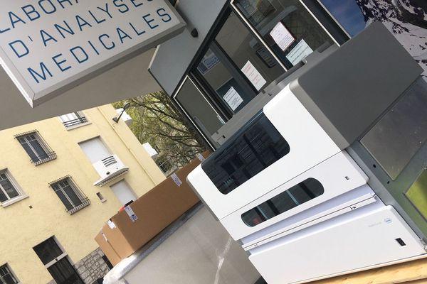 L'automate grande capacité au moment de sa livraison sur Pau la semaine dernière