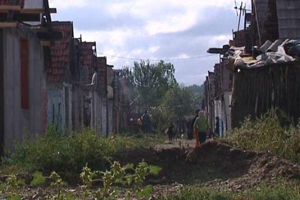"""Un """"quartier"""" de Tinca occupé par la communauté Rom (sept.2012)"""