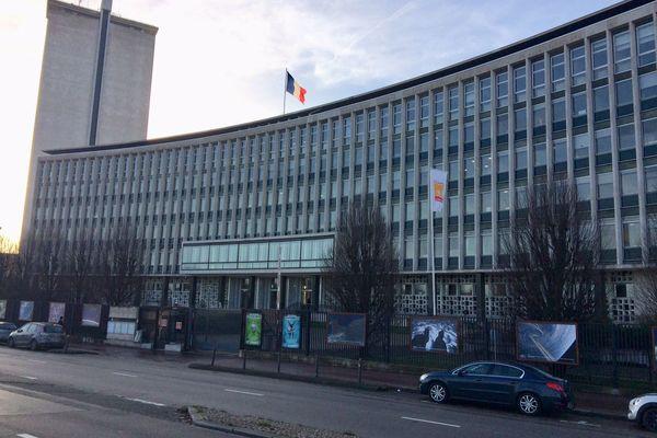 L'Hôtel du département de la Seine-Maritime à Rouen secoué par une polémique.