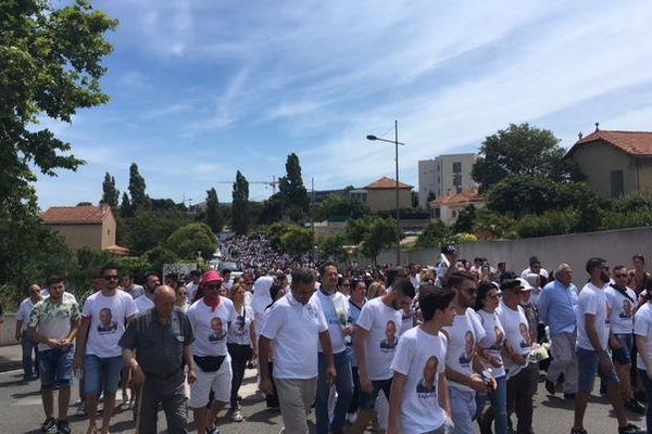 Famille, amis, habitants du quartier et élus, ils étaient des centaines dans la marche blanche pour Engin
