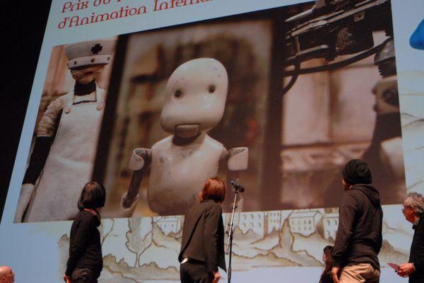 C'est Takahide Hori, un japonais, qui a remporté le prix du meilleur film d'animation avec Junk-Head 1