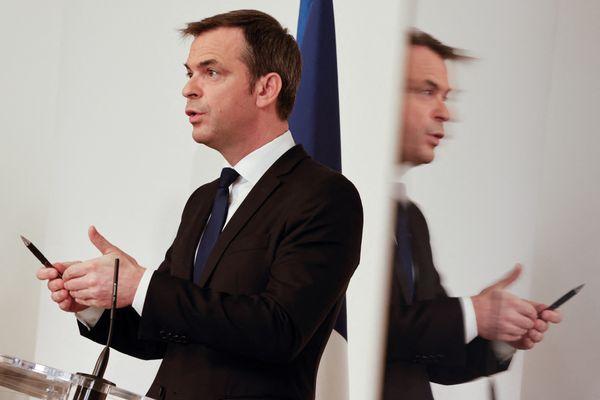Le ministre de la Santé, Olivier Véran, s'est dit favorable à un déconfinement territorialisé dans un entretien accordé au journal Le Télégramme, ce lundi 19 avril.