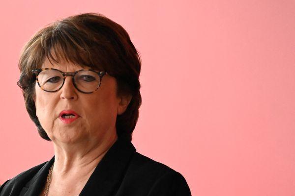 """Martine Aubry dénonce une campagne de vaccination défaillante et les """"opérations de communication"""" du gouvernement."""