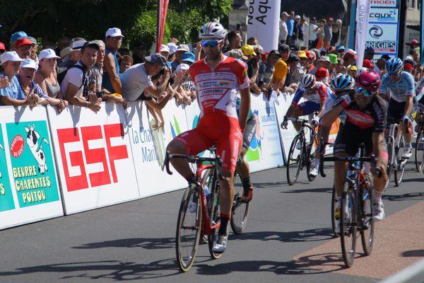 Matteo Pelucchi remporte la 3e étape du TPC 2019 à Pleumartin