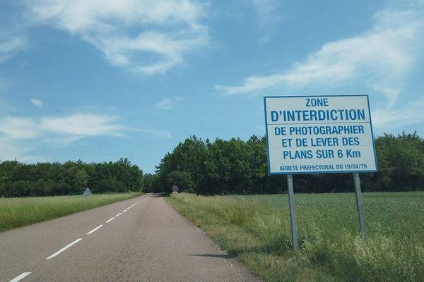 A 6 kilomètres autour du site nucléaire (dont voici l'entrée, photo), les riverains sont appelés à rester confinés chez eux.