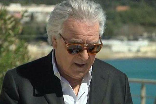 Pierre Arditi en tournage pour France 3 entre Bandol et La Ciotat
