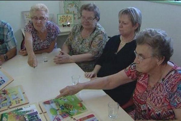 """Saint-Claude : les personnes âgées jouent à la """"maison à jouer"""""""