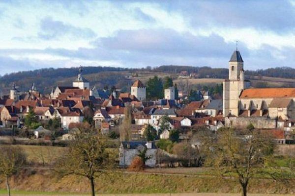 Midi au village - René François Sully Prudhomme 5edeb9d409c76_vue_de_martel_par_le_sud_est
