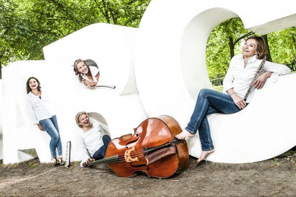 Le quatuor insolite ABC d'airs proposera un concert détonant le 12 octobre à 19h dans la salle du petit théâtre.