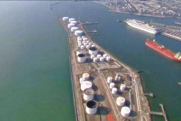 Les cuves de la Compagnie industrielle Maritime au Havre