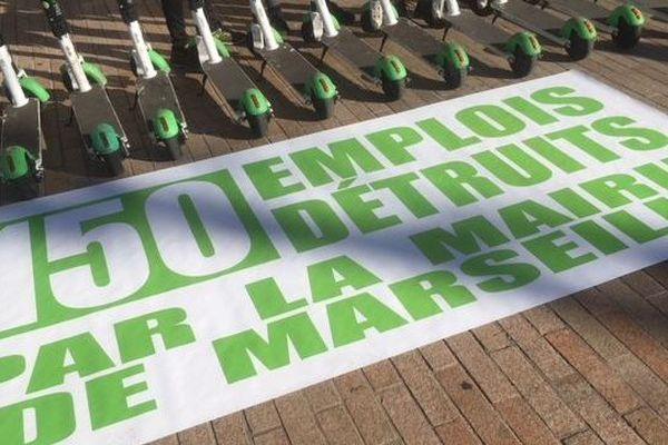 Les employés de Lime se sont retrouvés devant la mairie de Marseille