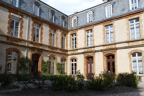 Bâtiment de l'hôtel du département de la Lozère