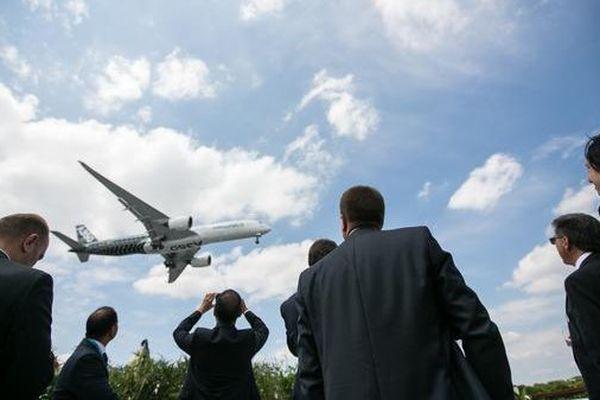 L'A380 effectuant un vol de démonstration cette semaine lors de la 51e édition du Salon International de l'Aéronautique et de l'Espace, au Bourget.