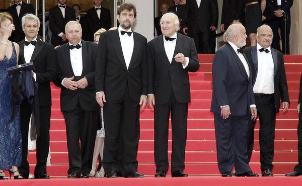 Cannes : la montée des marches pour la présentation du film Habemus papam de Nanni Moretti le 13 mars 2011.