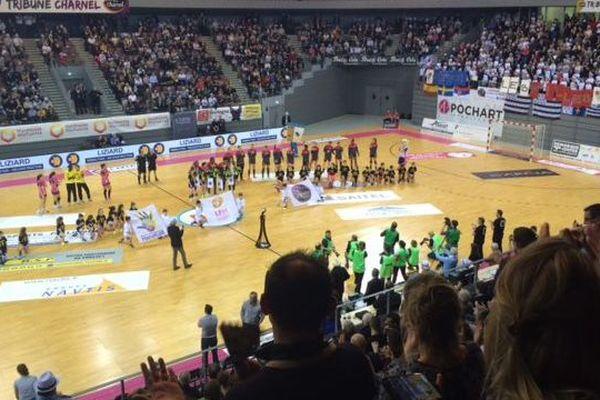 L'ovation des championnes du monde avant le match Brest-Nantes
