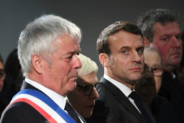 La cérémonie d'obsèques de Michel Charasse se déroule ce mercredi 26 février dès 16 heures, en présence de nombreuses personnalités politiques et du chef de l'Etat Emmanuel Macron.