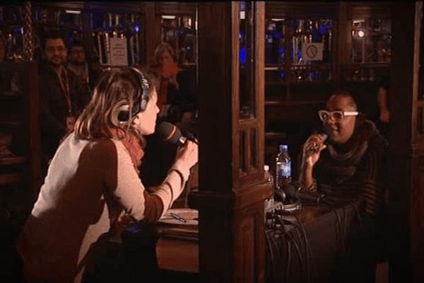 La chanteuse Cécile McLorin Salvant au micro d'Elsa Boublil dimanche soir à Coutances