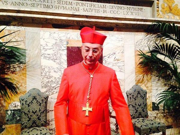 14/02/15 - Monseigneur Mamberti fait son entrée au collège des cardinaux