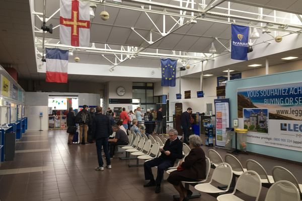 En 2019, 95 814 passagers sont passés par l'aéroport de Dinard, dont la majorité a voyagé via Ryanair
