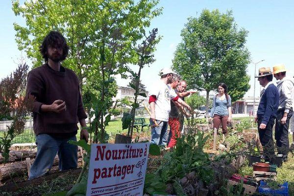 Ces doux rêveurs ont créé des jardins naturels dans 400 villes en France