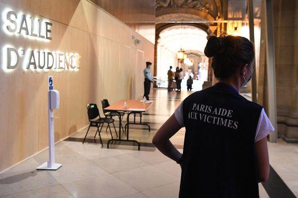 Des psychologues de la Paris Aide aux victimes accueillent et soutiennent les victimes des attentats du 13-Novembre.