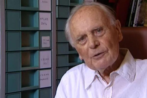 René Goguey est l'auteur de plus de 100 000 clichés aériens, qui ont permis des découvertes archéologiques majeures dans notre région