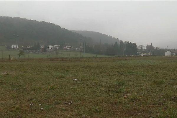 C'est sur ce site, à l'entrée de la commune de Suzannecourt, que la blanchisserie nucléaire pourrait s'installer.