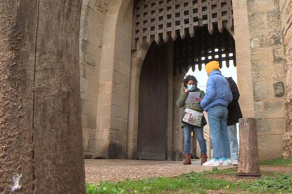 Chaque porte a ses mystères...et elles sont 10 à Aigues-Mortes à accueillir les visiteurs pour une balade ludique.