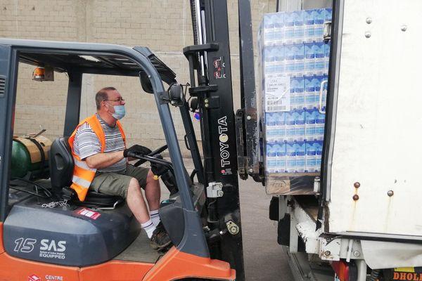 6000 litres de lait, de quoi reconstituer les stocks de la Banque alimentaire.
