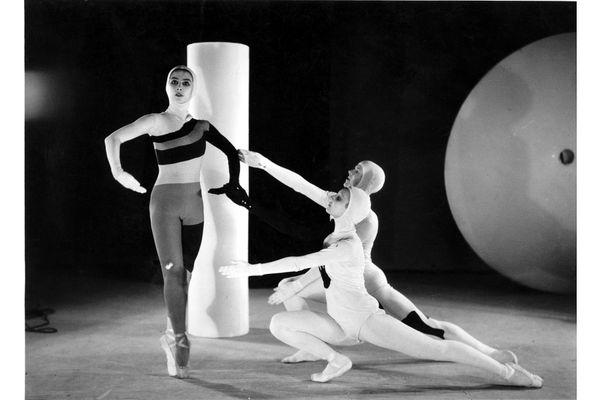 Le ballet Jeux d'enfants auquel Miró a largement contribué jusque dans les moindres détails.