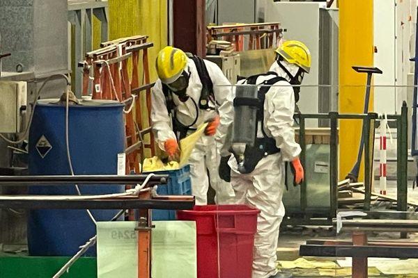 La flaque d'acide chlorhydrique avait atteint 10 m2 à l'arrivée des pompiers