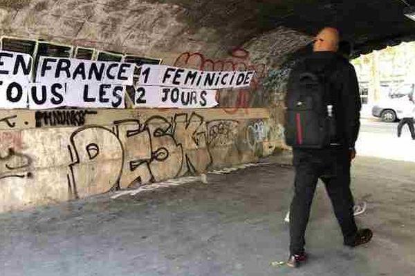 """""""En France, un féminicide tous les deux jours""""."""