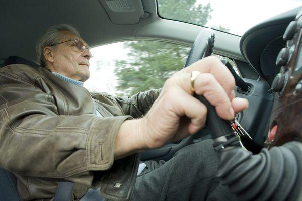 Les seniors sont de plus en plus nombreux sur la route